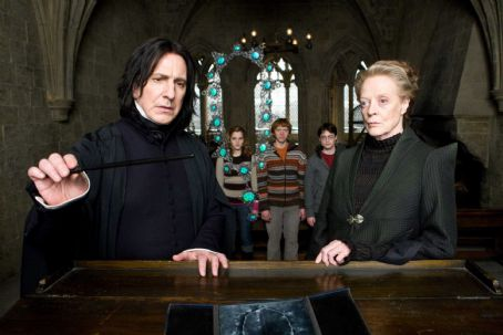 Severus Snape (L-r) ALAN RICKMAN as Professor , EMMA WATSON as Hermione Granger, RUPERT GRINT as Ron Weasley, DANIEL RADCLIFFE as Harry Potter and MAGGIE SMITH as Professor Minerva McGonagall in Warner Bros. Pictures' fantasy adventure 'Harry Potte