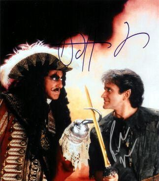 Dustin Hoffman Robin Williams and  in Hook (1991)