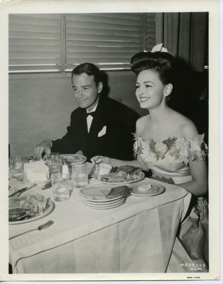 Donna Reed  and Lew Ayres