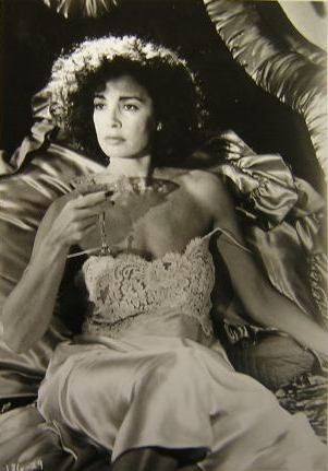 Anne Archer  - LOVE AT LARGE