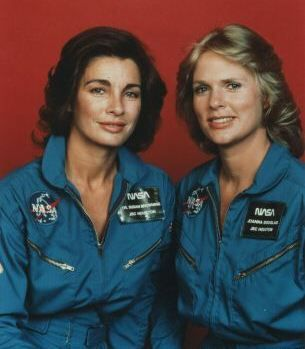 Sharon Gless  and Anne Archer