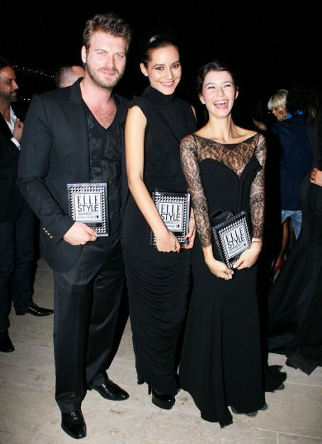 Beren Saat - Elle Style Awards 2010 Turkey