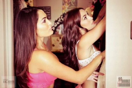 Bella Twins  Jennifer Rovero Photoshoot
