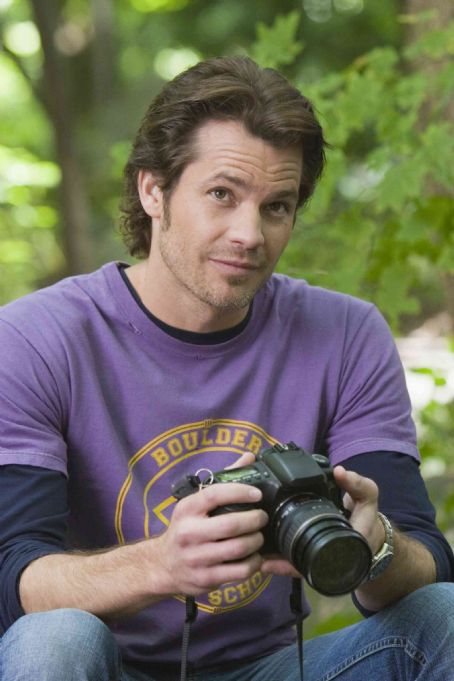 Timothy Olyphant  in the movie Catch and Release