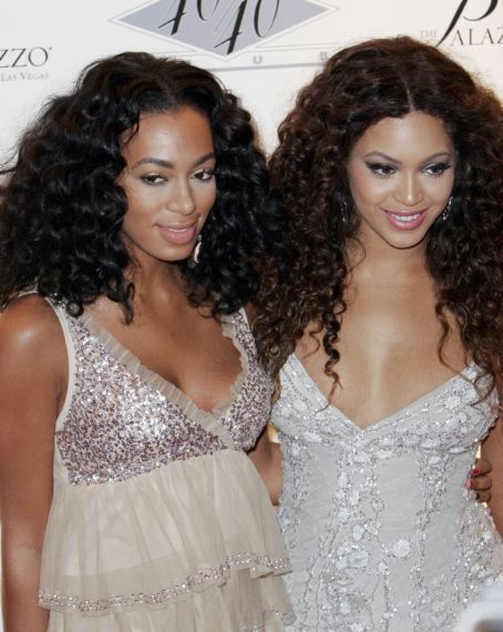 Solange Knowles  and big sis Beyonce