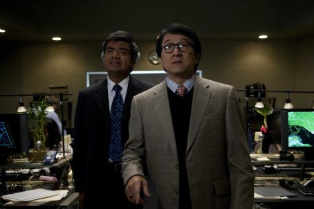 The Spy Next Door George Lopez (as Glaze, left) and Jackie Chan (as Bob Ho, right) star in THE SPY NEXT DOOR. Photo credit: Colleen Hayes