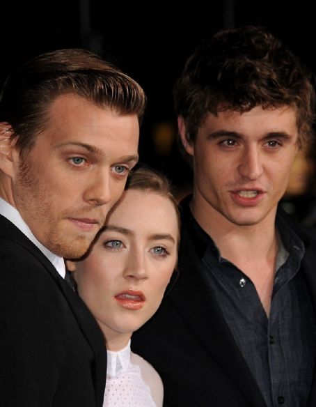 Max Irons Breaking Dawn Pt 2 Premiere
