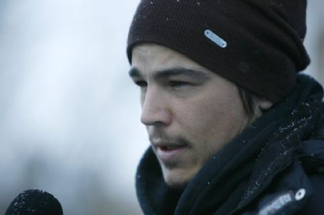 August Josh Hartnett