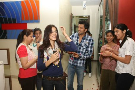 Genelia D'Souza and Ritesh Deshmukh - Ritesh Deshmukh and Genelia D'Souza Promoting Tere Naal Love Hogaya 2012