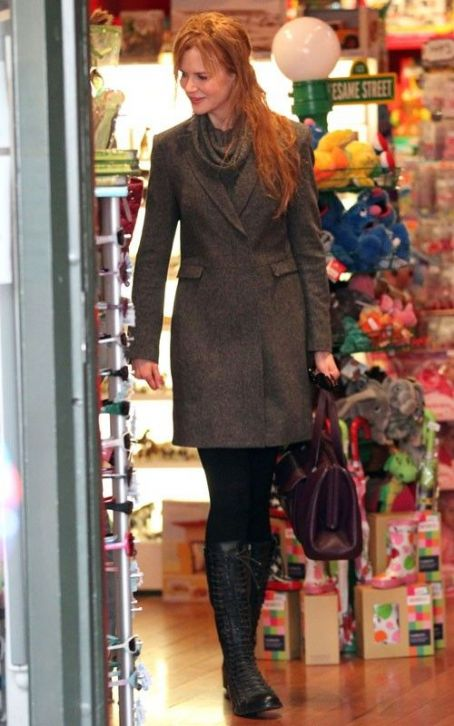 Nicole Kidman: Woollahra Shopping with Sis
