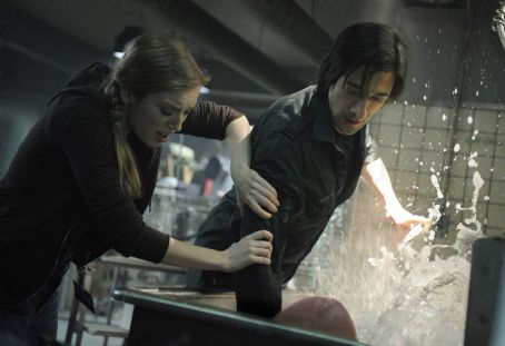 Splice (L-r) SARAH POLLEY as Elsa and ADRIEN BRODY as Clive in Warner Bros. Pictures' and Dark Castle Entertainment's science fiction thriller 'SPLICE,' a Warner Bros. Pictures release. Photo by Steve Wilkie