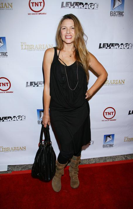 "Kari Wuhrer - TNT's ""Leverage"" And ""The Librarian"" Wrap Party (Nov 19, 2008)"