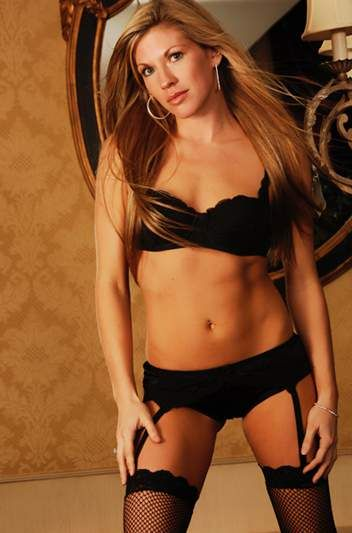 Sean Waltman 's girlfriend Alicia Webb