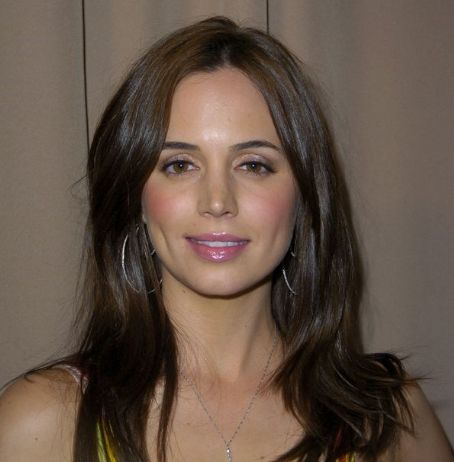 Eliza Dushku Pics - Eliza Dushku Photo Gallery - 2012 -