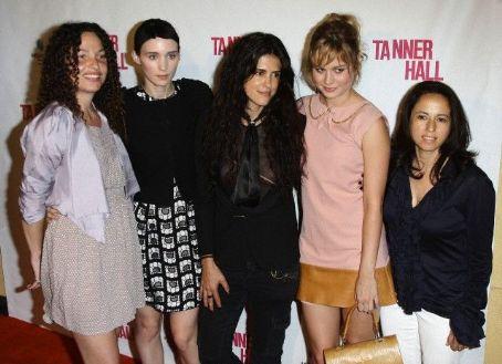 Julie Snyder 'Tanner Hall' LA premiere, 2011