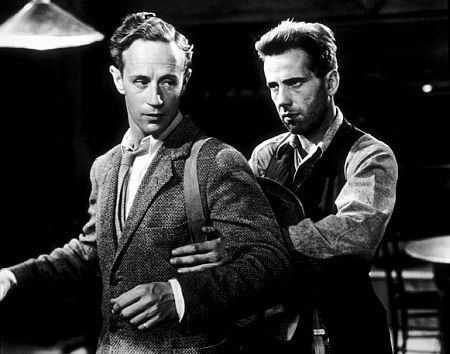 Leslie Howard  and Humphrey Bogart in 'The Petrified Forest'