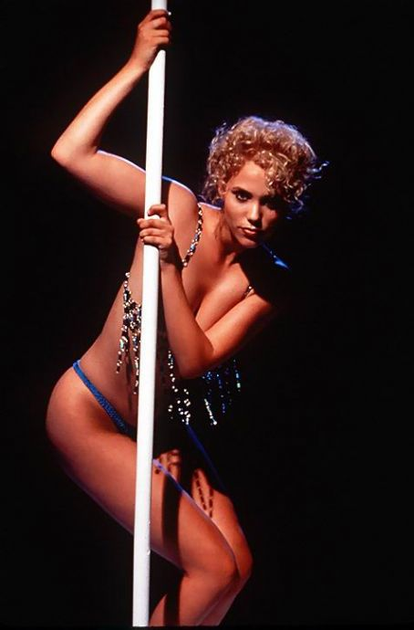 Nomi Malone Elizabeth Berkley in Showgirls (1995)