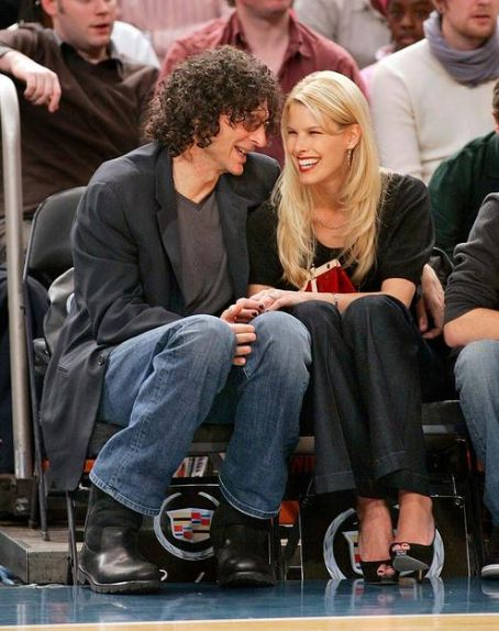 Howard Stern Beth Ostrosky and