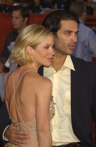 Johnathon Schaech Christina Applegate and
