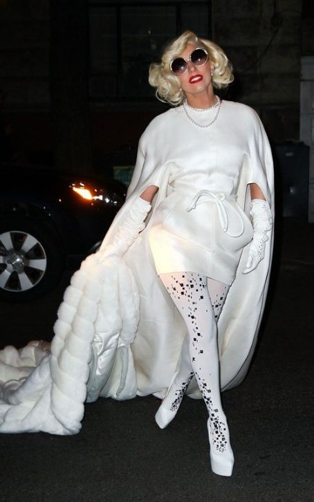 Lady Gaga Throws NYE Afterparty At Dad's Restaurant