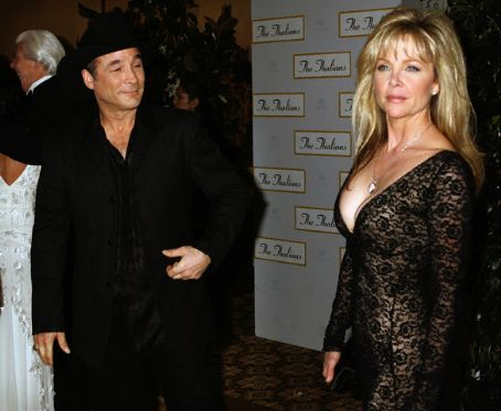 Clint Black and Lisa Hartman Pics (17 pics of Clint Black and Lisa