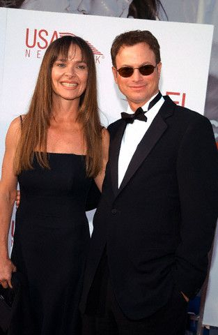 Gary Sinise  and Moira Harris