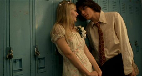 The Virgin Suicides Kirsten Dunst and Josh Hartnett in