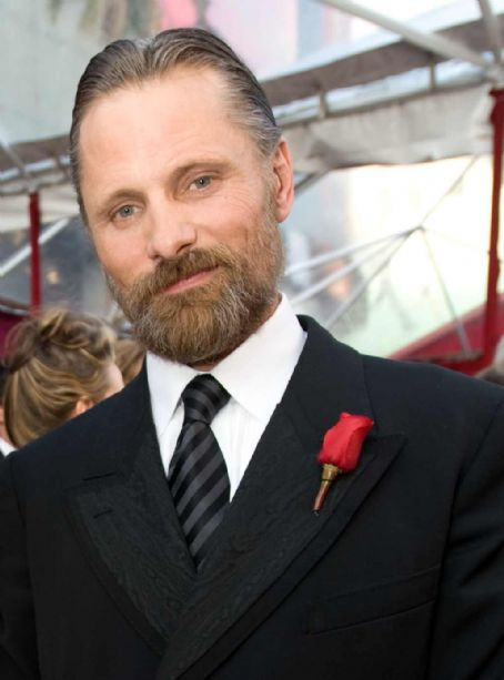 Viggo Mortensen  on Feb 24, 2008 at the Oscars