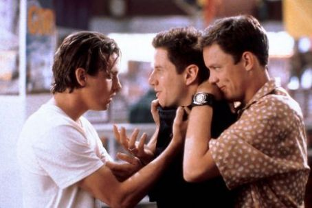 Skeet Ulrich as Billy Loomis, Jamie Kennedy as Randy Meeks and Matthew Lillard as Stuart Macher in Scream (1996)