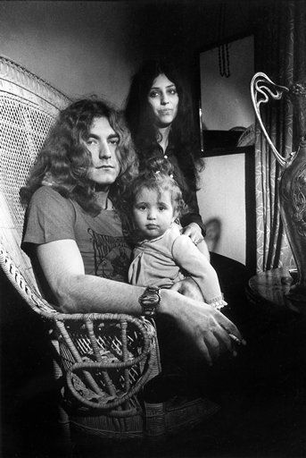 Maureen Plant Maureen Wilson, Robert Plant and Carmen Jane Plant October 1969
