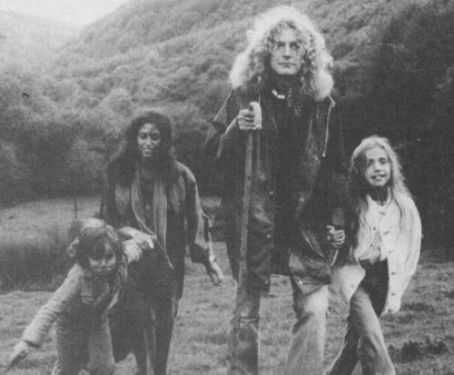 Maureen Plant Maureen Wilson, Robert Plant and children Karac and Carmen Jane Plant on Wales, 1976