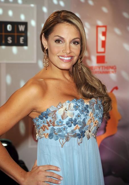 Trish Stratus - 2008 Gemini Awards In Toronto, 28.11.2008.