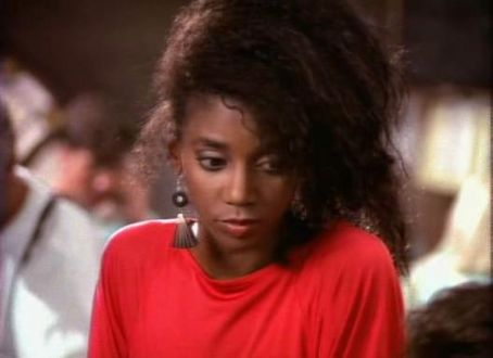 Holly Robinson Peete  in 21 Jump Street (1987)