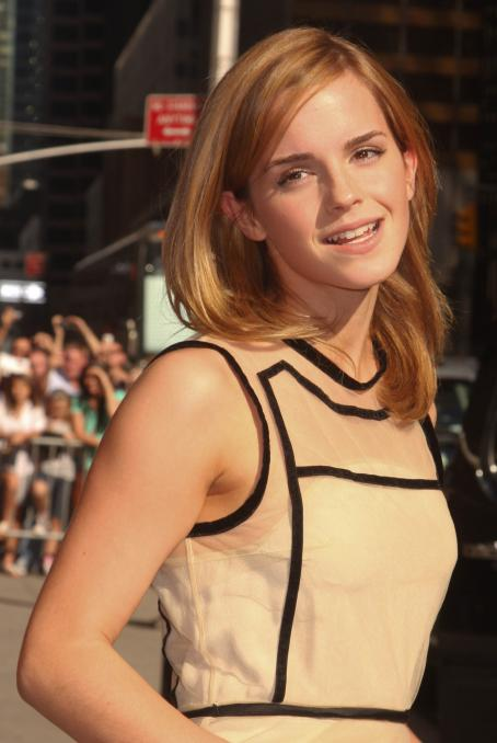 Late Show with David Letterman - Emma Watson At The Late Show With David Letterman In New York City, 2009-07-08