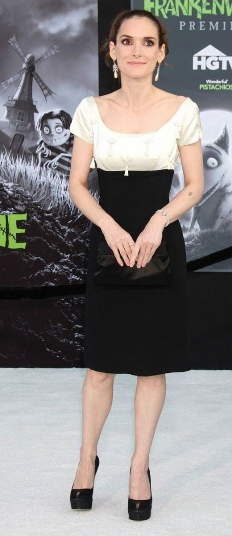 Winona Ryder: attends the premiere of her new film Frankenweenie held at the El Capitan Theatre