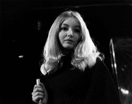 Mary Hopkin  on stage, 1968