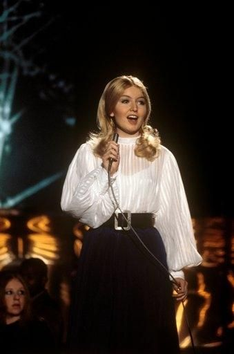 Mary Hopkin  performing in the Top of the Pops, 1970