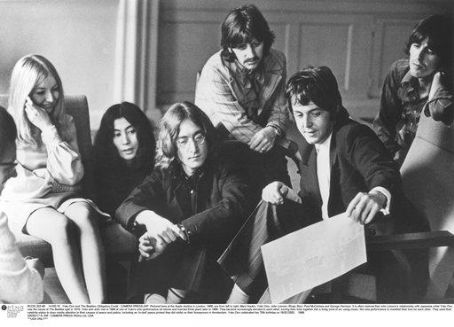 Mary Hopkin  with Yoko Ono and The Beatles, 1968