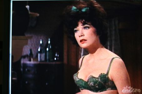 Shirley MacLaine  in Irma La Douce (1963)