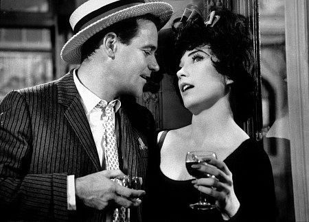 Shirley MacLaine  and Jack Lemmon in Irma La Douce (1963)