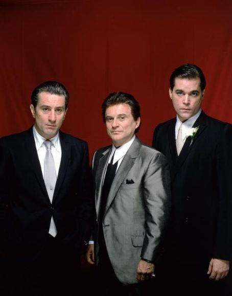 Robert De Niro, Joe Pesci and Ray Liotta in Goodfellas (1990)