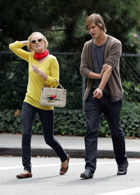 Kate Bosworth and James Rousseau stroll in West Village, NYC 2007-09-13
