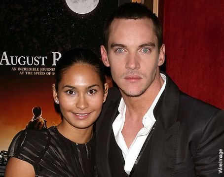 Jonathan Rhys-Meyers and Reena Hammer - Jonathan Rhys Meyers and Reena Hammer