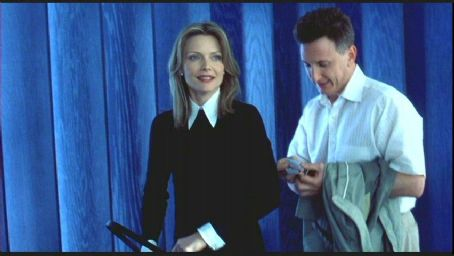 Michelle Pfeiffer and Sean Penn in I Am Sam directed by Jessie Nelson and distributed by New Line Cinema - 2002