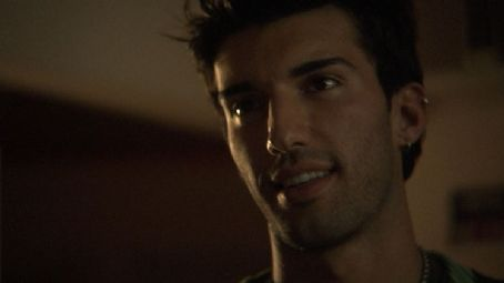 Justin Baldoni star as Gavin in Knuckle Draggers.