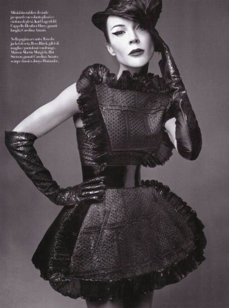 Daphne Guinness INDIVI DUALS Vogue Italy February 2010