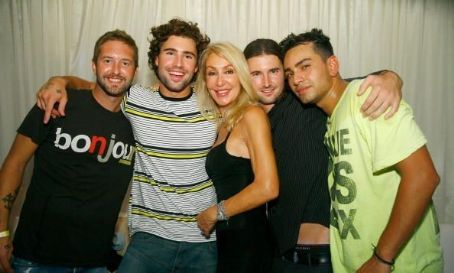 Brandon Jenner 2007 August 18 - Brody Jenner, Linda Thompson,  and Frankie Delgado attend Brody Jenner's birthday party at PURE Nightclub on in Las Vegas, Nevada.