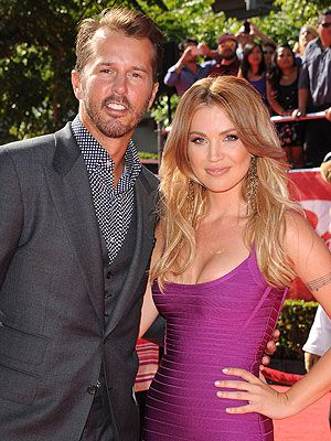 Willa Ford and Husband to Divorce