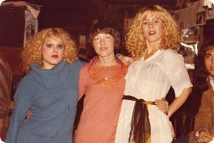 Nancy Spungen - Ca. 1976/79 - Bettie visits CBGB, appearing with Nancy Sungen and Sable Starr.