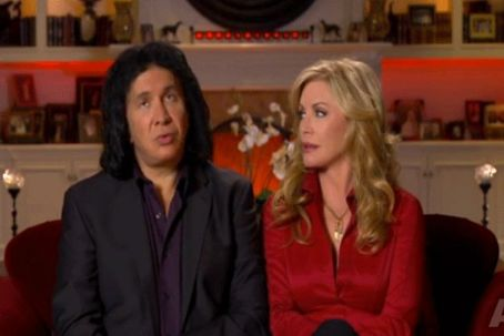 GENE SIMMONS' 'FAMILY JEWELS' FINDS SHANNON'S ADOPTION PLANS SLOWED DOWN BY DAUGHTER SOPHIE'S COLD SHOULDER